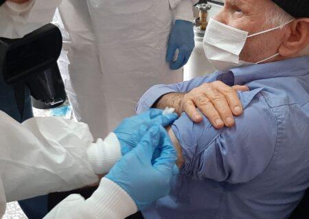 ۵  توصیه برای مقابله با پدیده واکسنهراسی سالمندان