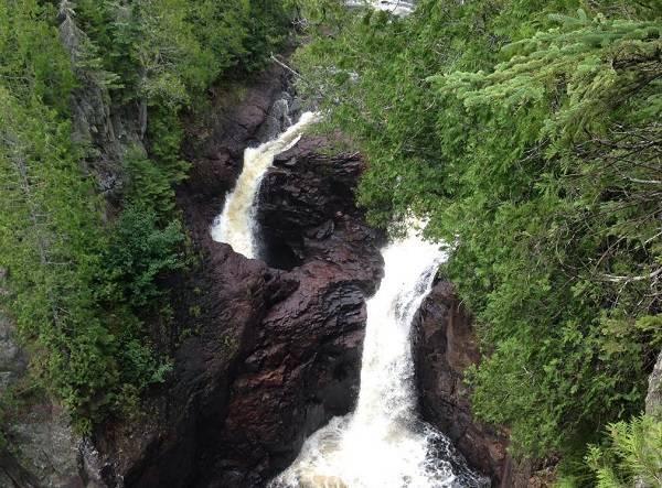 آبشار کتری شیطان
