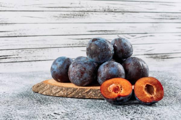 آلو میوه شفافیت پوست