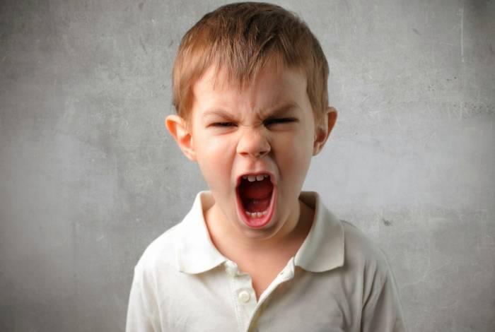 کودک شما جیغ می زند چون …. + راهکار