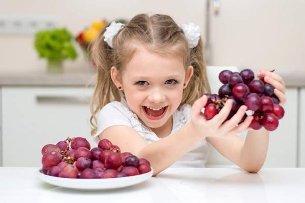 خوردن میوه