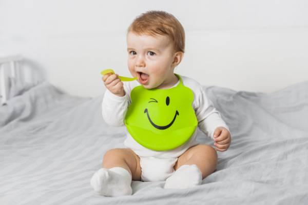 زیاد خوردن نوزادان
