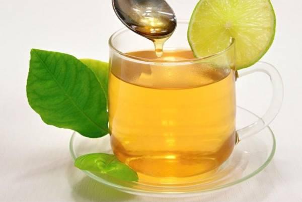 عسل و آب گرم برای سینوزیت