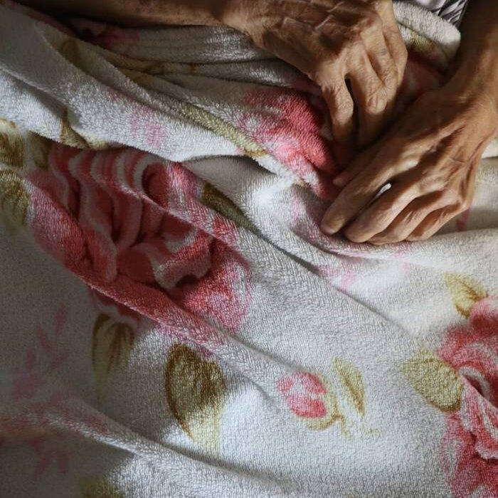 دل نوشته فرهاد اصلانی در سوگ مادرش