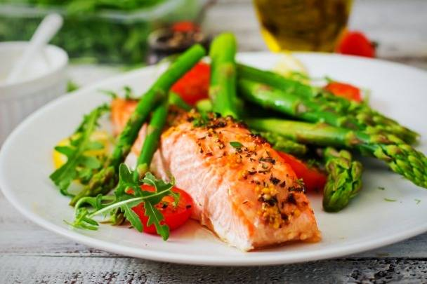 ماهی و سبزیجات مقوی