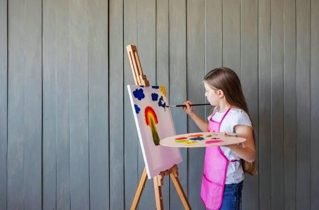 نقاشی کشیدن کودک