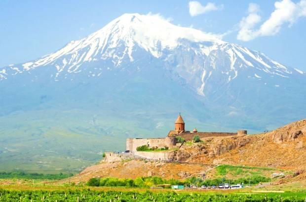 بلندترین کوه جهان کجاست؟