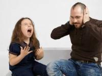"""بهترین پاسخ به جمله """"ازت متنفرم"""" فرزندتان"""